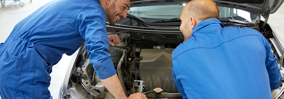 Mechanics doing an MOT on your vehicle - MOT Welling